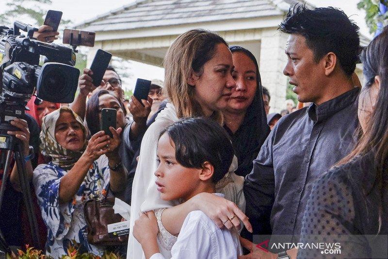 Ariel 'Noah' hadiri pemakaman Ashraf Sinclair
