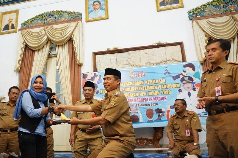 Wabup Madiun minta wartawan berikan informasi yang sehat