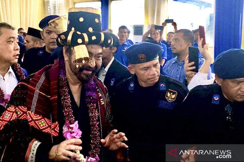 Surya Paloh disambut tari Tor-Tor Sabe-Sabe di Padang Sidempuan