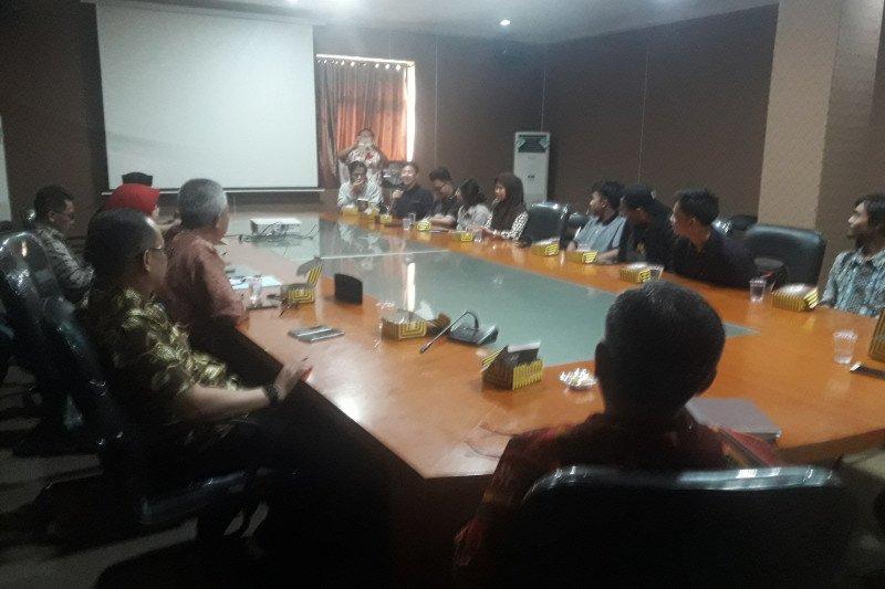 Sembilan mahasiswa yang dipulangkan dari China datangi Dinsos Banten