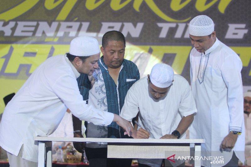 Suporter Barito Putera Tandatangani Pakta Integritas