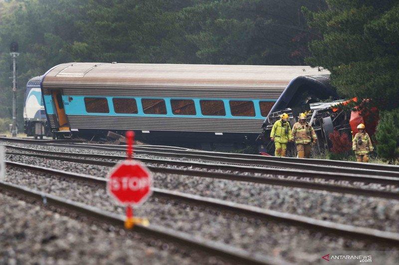 Kereta tergelincir di dekat Kota Melbourne, dua orang tewas dan 12 lainnya luka-luka