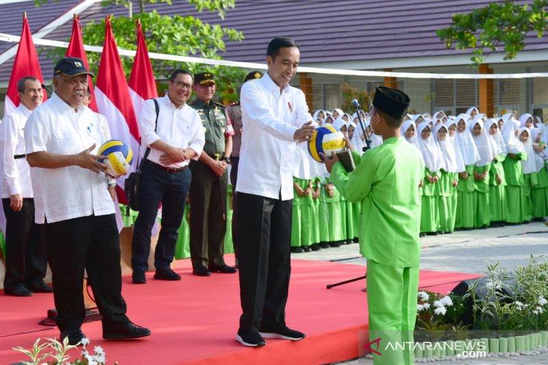 Presiden tinjau dan resmikan rehabilitasi madrasah di Pekanbaru