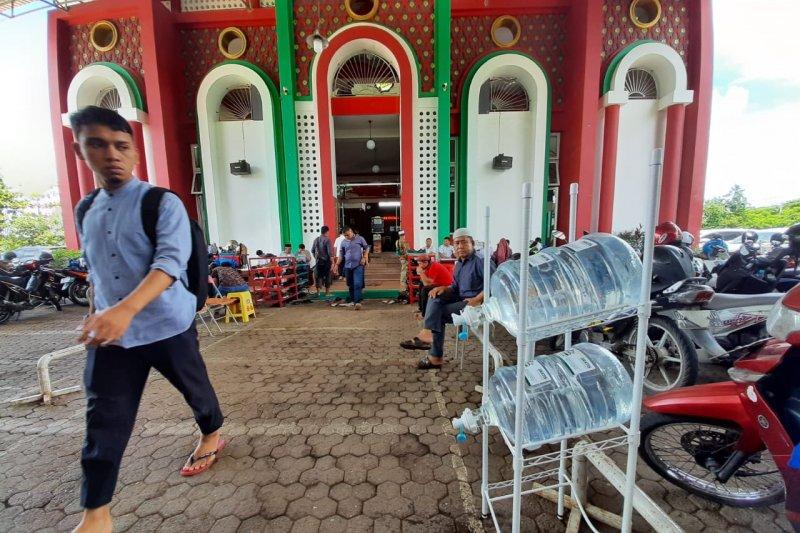 ACT distribusikan Air Minum Wakaf ke masjid-masjid di Makassar