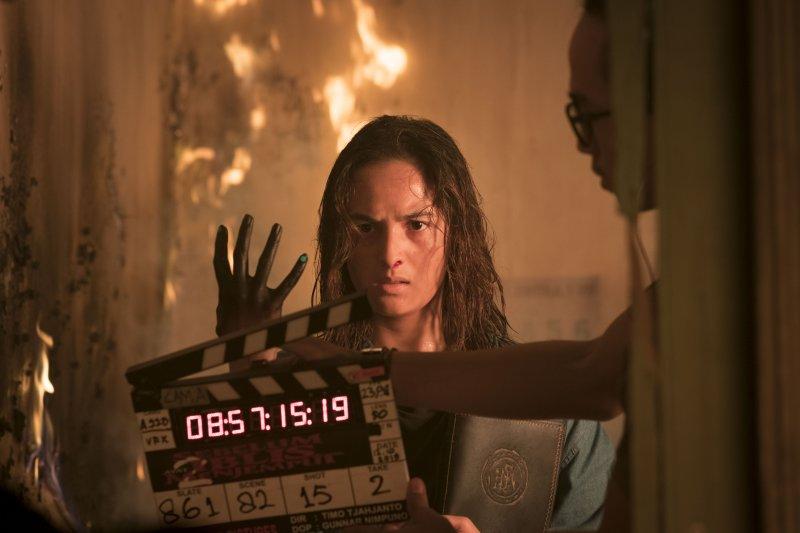 Main api, adegan tak terlupakan Chelsea Islan di film Timo Tjahjanto