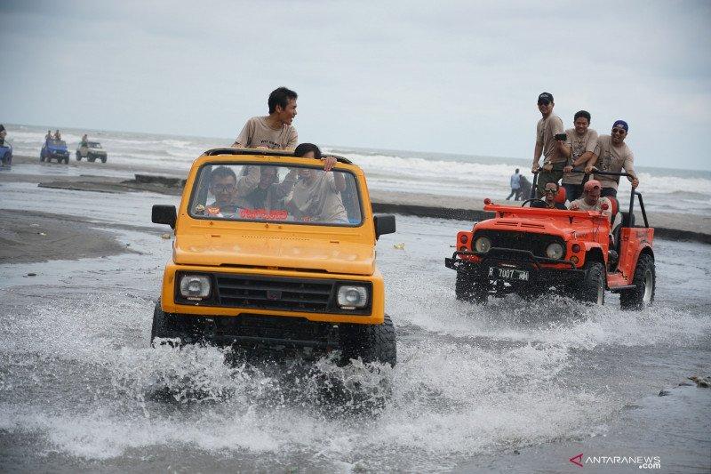 Wisata jelajah Pantai Selatan
