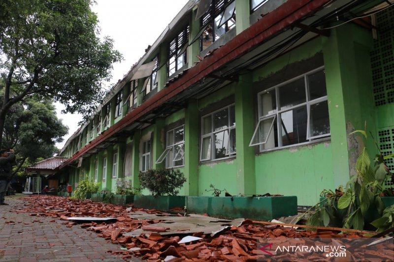 Jaktim gandeng Kepolisian bila kontraktor tak perbaiki sekolah ambruk