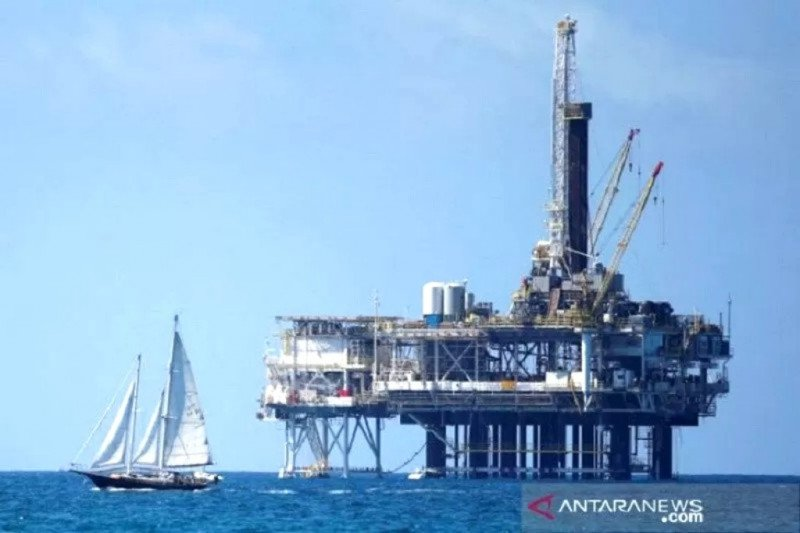 Pengamat: Harga minyak minus, penerimaan perpajakan bisa terkoreksi