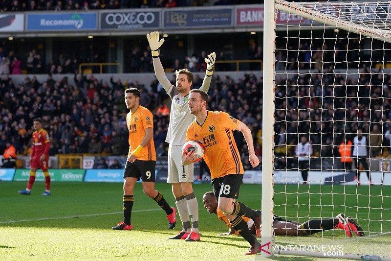 Wolverhampton hancurkan Norwich 3-0