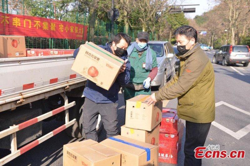 Kasus Covid-19 di China menurun, tetapi meningkat di negara lain
