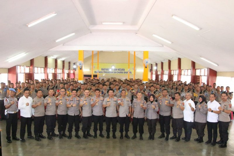 Wakapolda sebut tambahan 220 personel makin perkuat Polda Sumbar