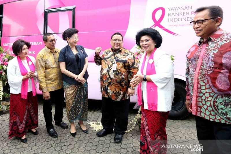 YKPI hibahkan satu unit mobil kemoterapi ke RS Dharmais