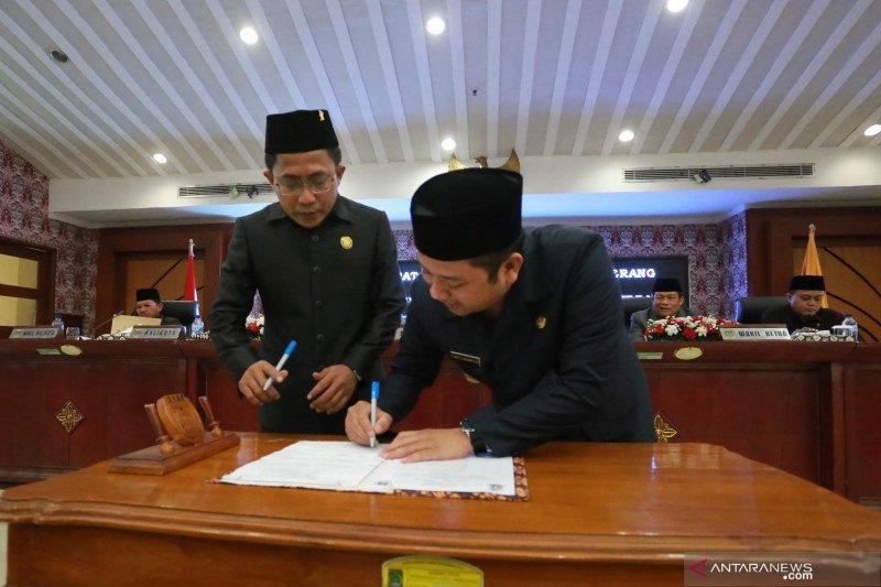 Pemerintah Kota Tangerang  dan DPRD sahkan tiga Perda