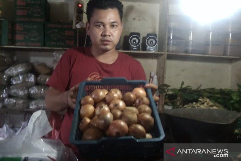 Bawang bombay picu inflasi Jakarta 0,33 persen