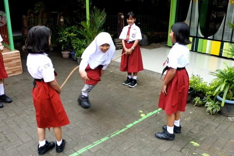 Lewat Permainan Tradisional Dan Pojok Baca Wujudkan Sekolah Ramah Anak Antara News Banten