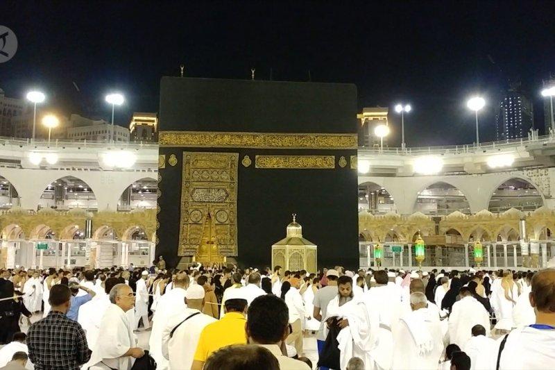 Arab Saudi tangguhkan pelayanan umrah untuk cegah penyebaran corona