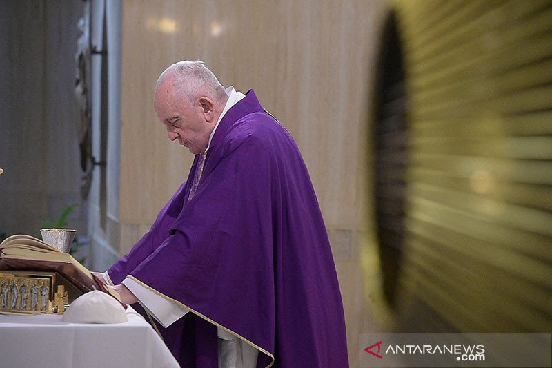 Ibadah Paskah di Vatikan digelar tanpa jemaat
