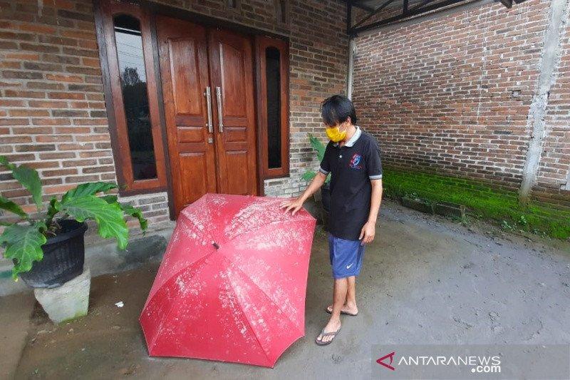 Dua kecamatan di Boyolali hujan abu pascaerupsi