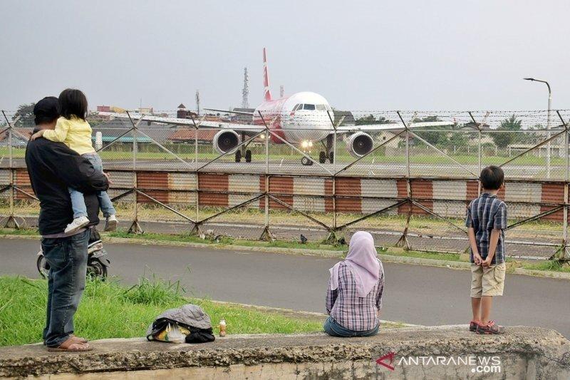 Pesawat jet kembali bisa mengudara di Bandara Husein Sastranegara