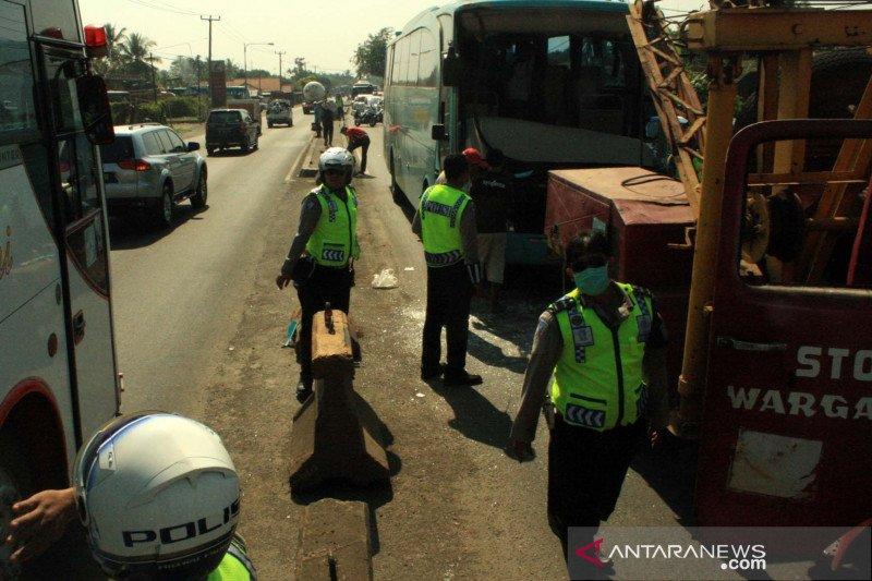 Dua orang meninggal akibat kecelakaan beruntun Tol Cipali
