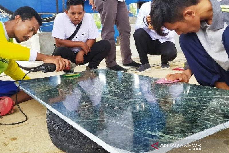 Pengusaha Nagan Raya bangun pabrik pengolahan batu giok