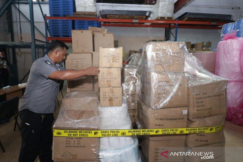 Polda Kepri temukan 6.130 kotak masker ilegal