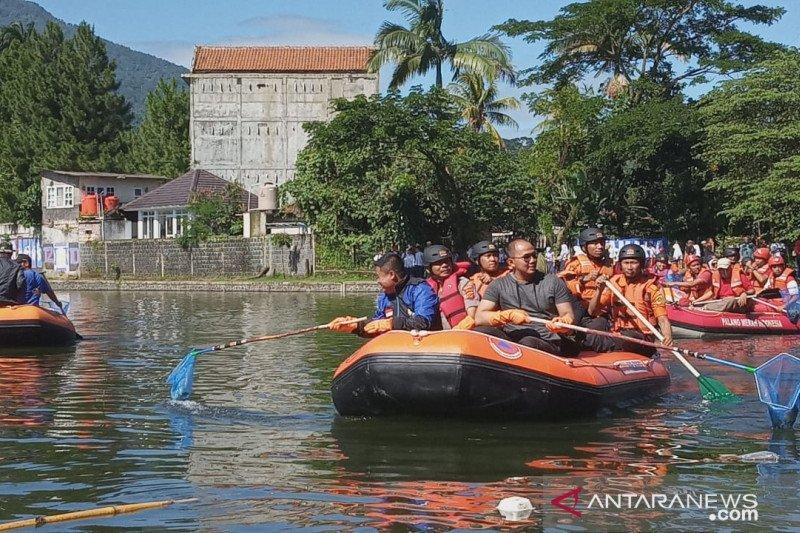 Bupati Bogor gelar aksi bersihkan situ demi pengendalian banjir