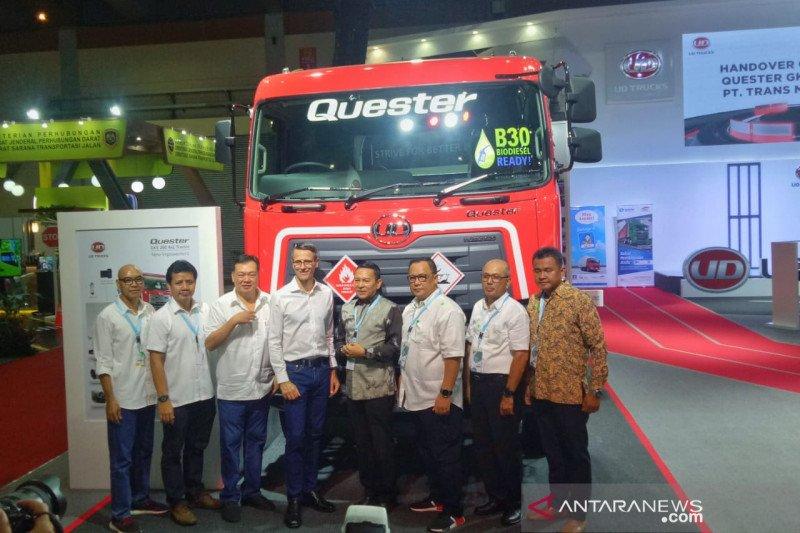UD Truck serahkan Quester 280 ABS ke PT Trans Migasindo