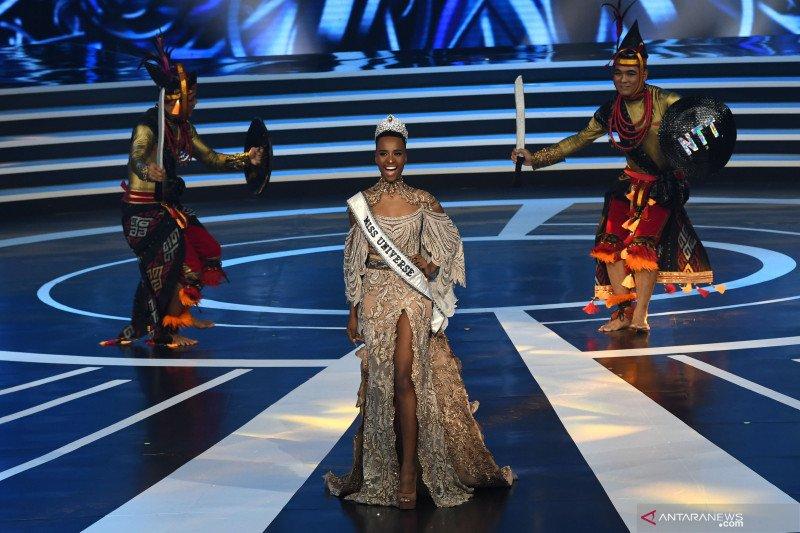 Miss Universe hadiri Malam Puncak Puteri Indonesia