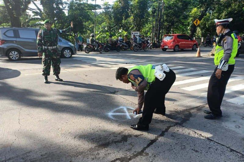 Bocah 6 tahun tewas setelah truk tabrak lima sepeda motor di Semarang
