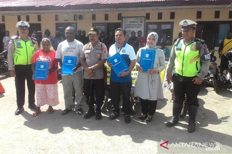Polres Jayawijaya kembalikan 55 sepeda motor curian