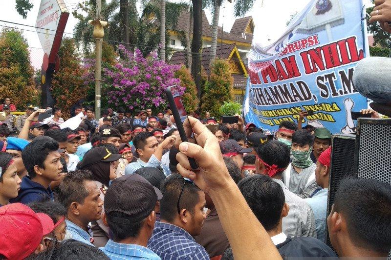 Berstatus DPO,  Plt Bupati Bengkalis akan diganti