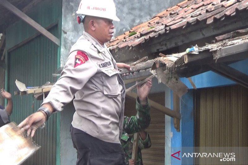 Ratusan personel keamanan disiagakan di lokasi terdampak gempa