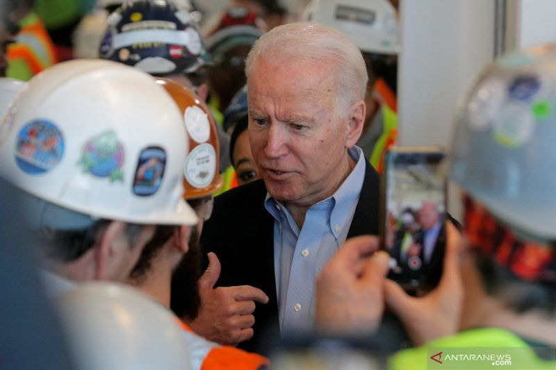 Capres AS Joe Biden akan temui keluarga Floyd