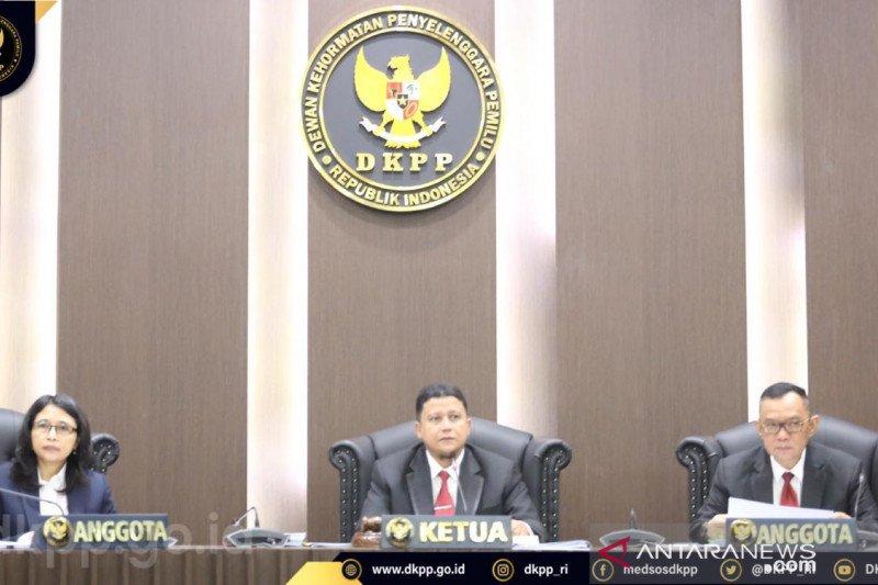 Sidang DKPP mengklirkan rumor anggota KPU RI terima Rp5 miliar