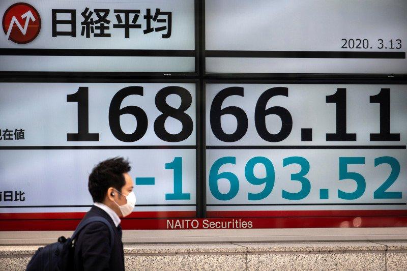 Saham Tokyo ditutup melemah di tengah kekhawatiran kebangkitan virus