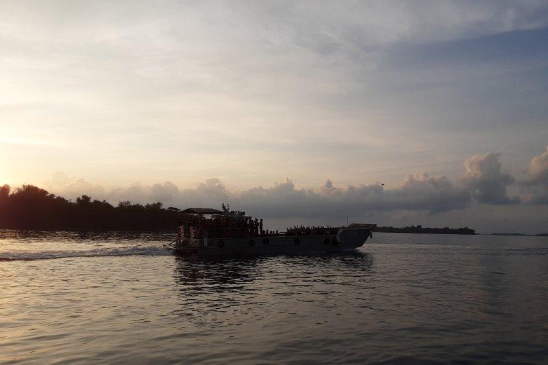 ABK Diamond Princes mulai masuk ke KRI Semarang-594