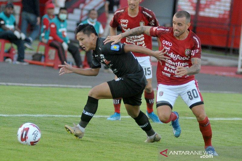 Bali United tunda kumpulkan pemain imbas PSBB Jawa-Bali