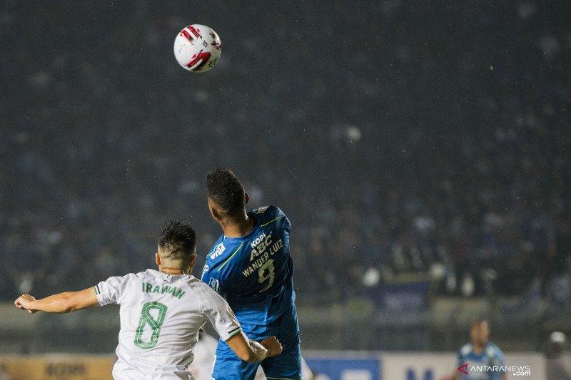 Penyerang Persib Bandung Wander Luiz konfirmasi positif virus corona