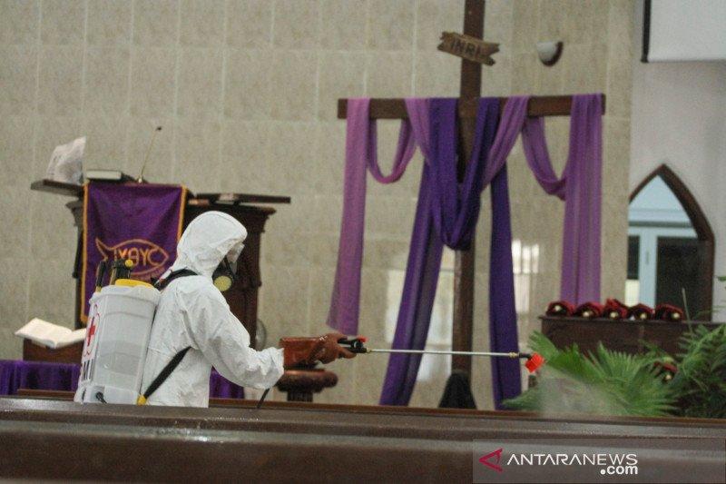 Keuskupan Agung Jakarta imbau penyemprotan disinfektan kawasan gereja