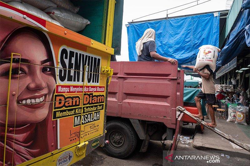 Food Station: Stok beras pasar Cipinang cukup untuk dua pekan