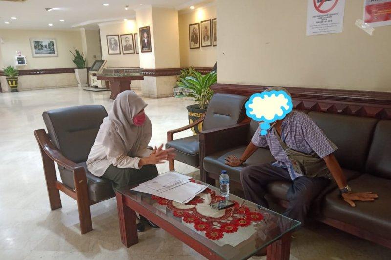 Dikenakan biaya, suami pasien ODP COVID-19 mengadu ke DPRD Surabaya