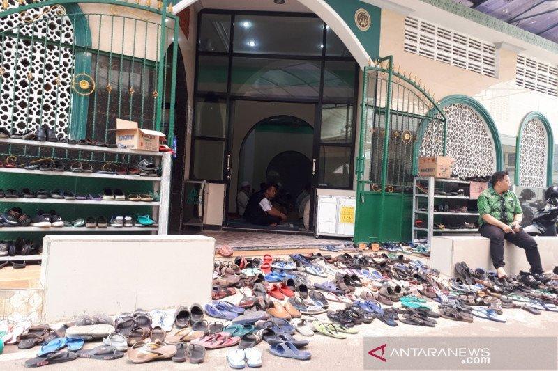 Meski ada imbauan MUI, sejumlah masjid tetap selenggarakan jumatan