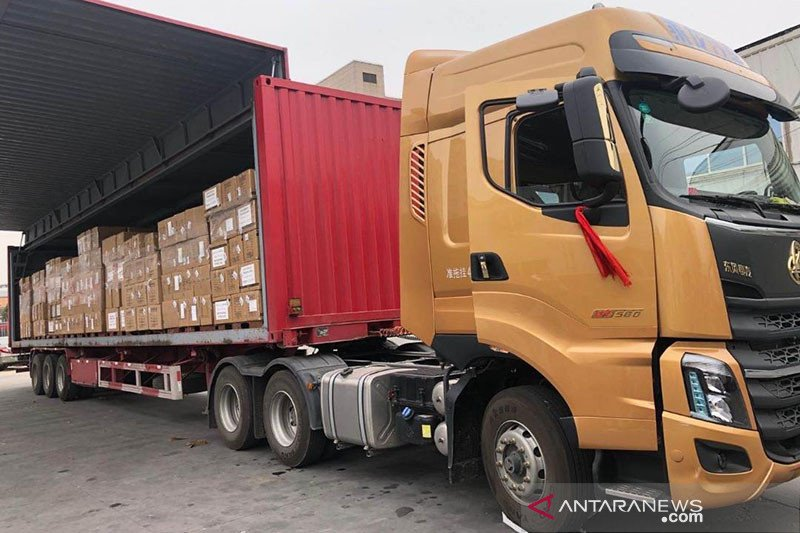 Pesawat TNI-AU angkut 9 ton peralatan medis dari Shanghai