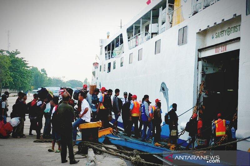 Kapal PT DLU tetap beroperasi angkut logistik ke Pelabuhan Sampit