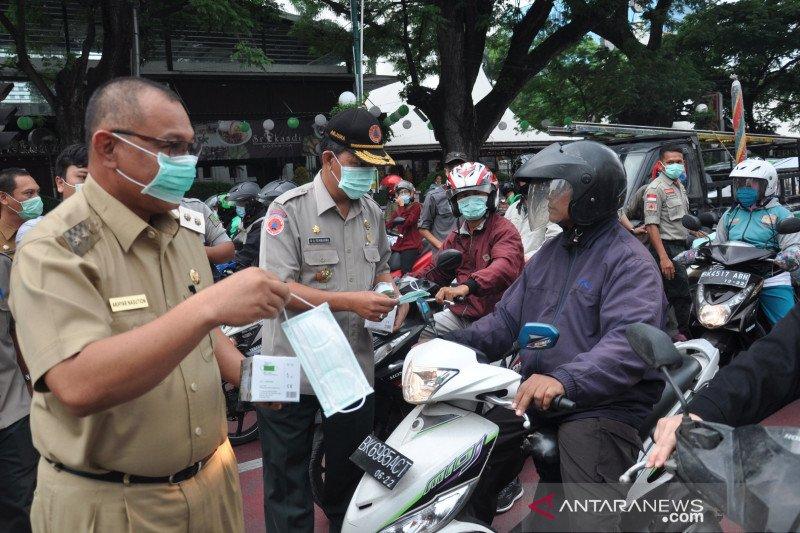 BPBD Medan bagikan masker