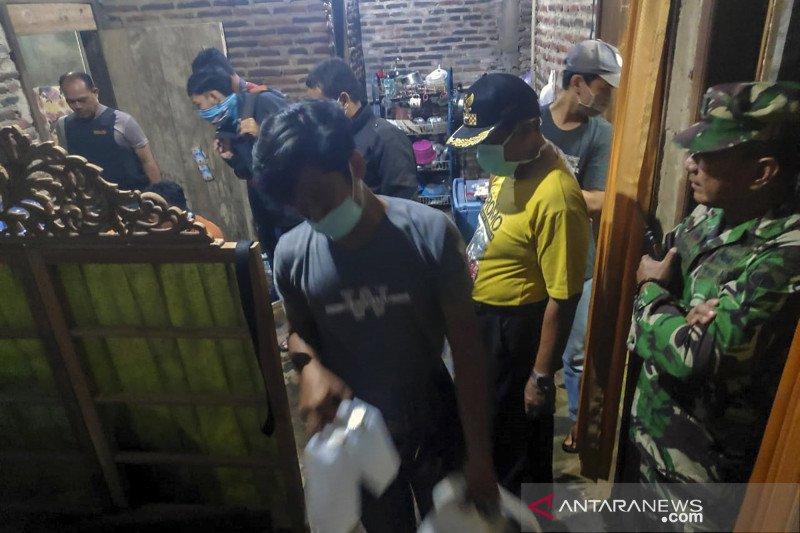 Hukum kemarin, ledakan di Medan hingga terduga teroris ditembak mati