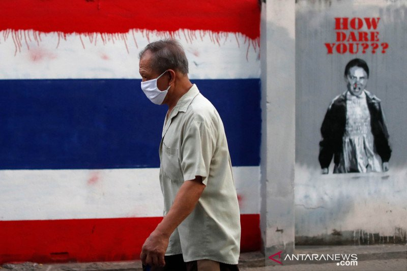 Thailand berlakukan darurat nasional COVID-19, begini keseharian warga Bangkok