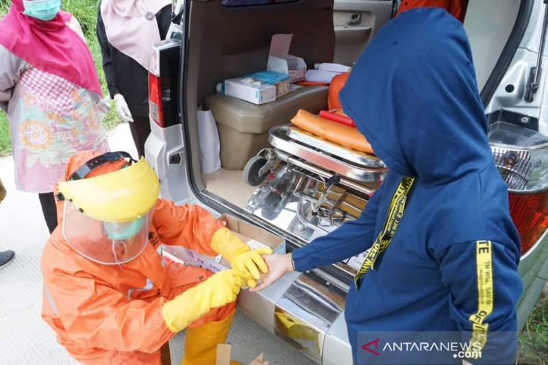 687 warga Bekasi jalani tes cepat COVID-19
