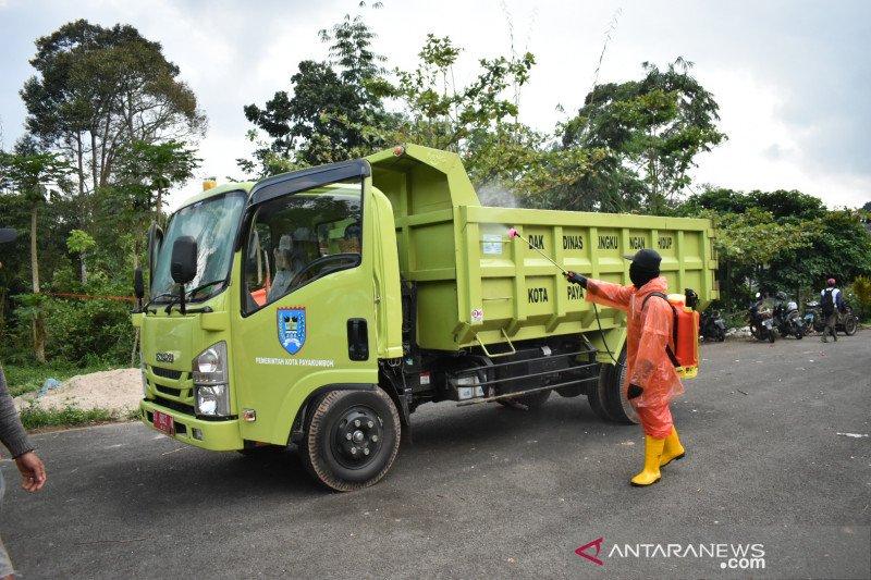 Petugas kebersihan Payakumbuh dibekali APD